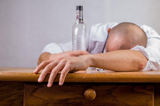 Vitamina E y alcoholismo crónico