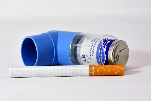 El tabaquismo es uno de los factores que más asma producen en España
